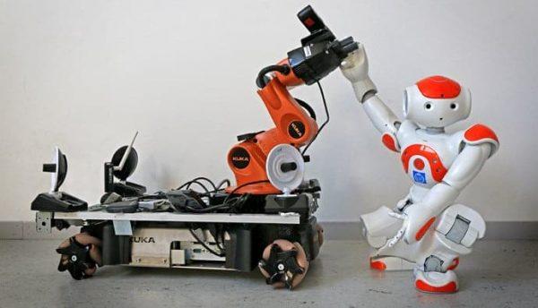 De har lärt robotar att samarbeta_Robotar_liten