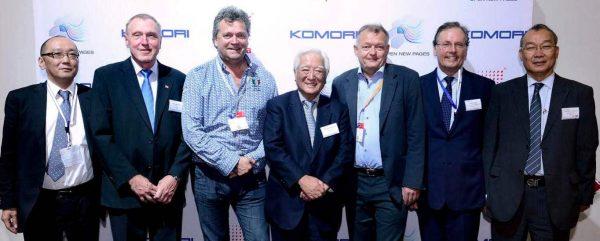 På bilden: A. Komori, Åge Myrvold (CEO Coloro), Tom B. Norland (CEO Ålgård Offset), President Y. Komori, Paul B. Løyning (Ålgård Offset), I. Kamyeyama, Tony Carter, T. Tsugawa (Foto: Ålgård Offset).