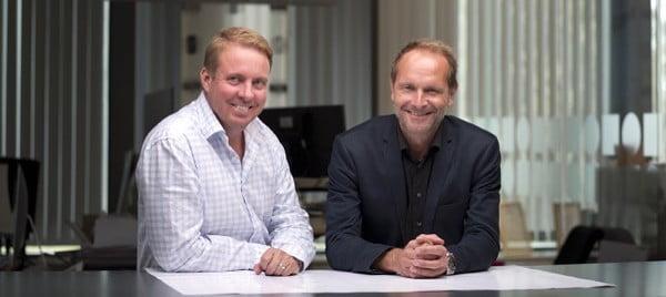 Billes Tryckeri köper Zetterqvist tryckeri. Från vänster: Niklas Bille, vd Billes Tryckeri, Thomas Molin, vd Zetterqvist tryckeri.