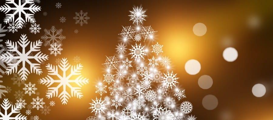 Atta av tio skickar julkort